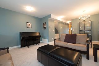 """Photo 3: 24 6555 192A Street in Surrey: Clayton Townhouse for sale in """"THE CARLISLE"""" (Cloverdale)  : MLS®# R2030709"""