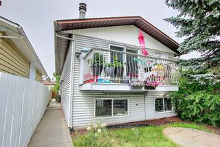 Photo 2: B 1407 44 Street SE in Calgary: Forest Lawn Row/Townhouse for sale : MLS®# A1131513