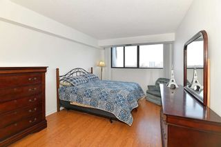 Photo 10: 902 757 Victoria Park Avenue in Toronto: Oakridge Condo for sale (Toronto E06)  : MLS®# E5089200