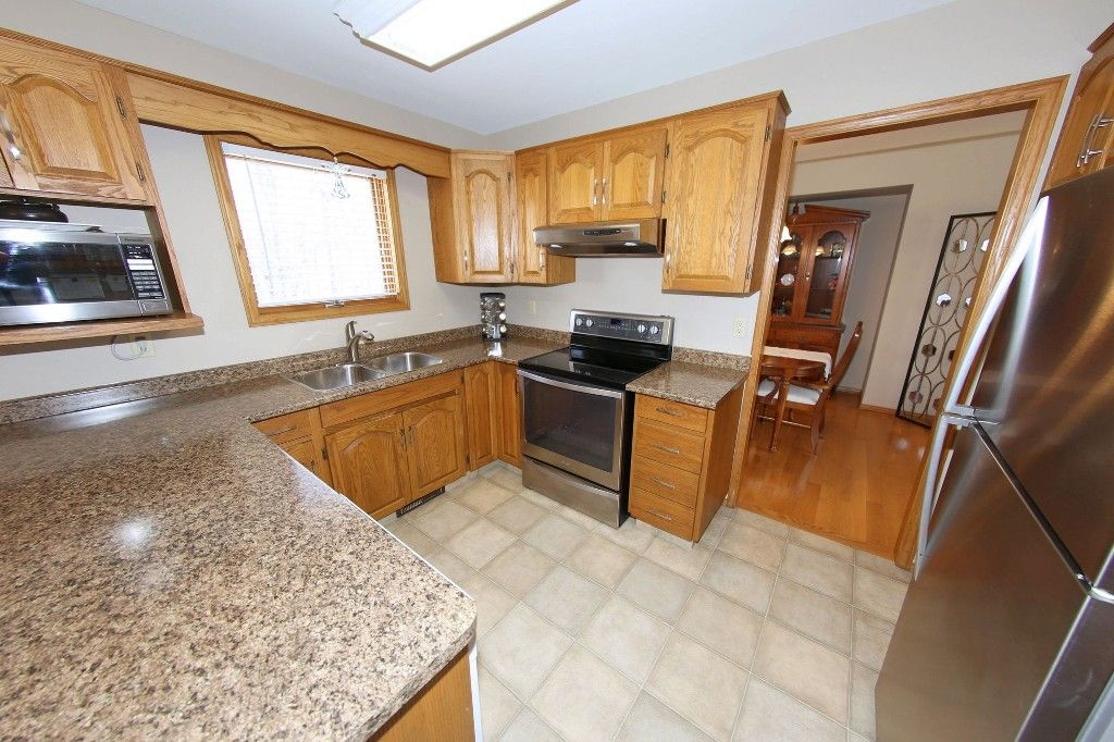 Photo 10: Photos: 123 Hunterspoint Road in Winnipeg: Charleswood Single Family Detached for sale (1G)  : MLS®# 1707500