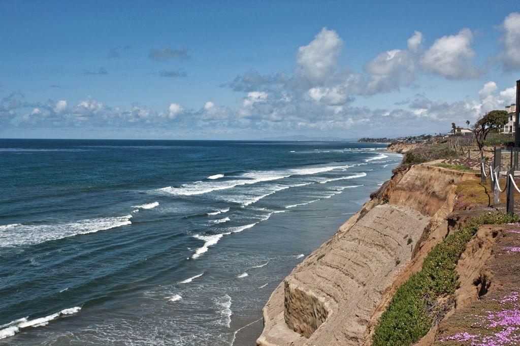 Photo 7: Photos: Condo  : 2 bedrooms :  in Solana Beach