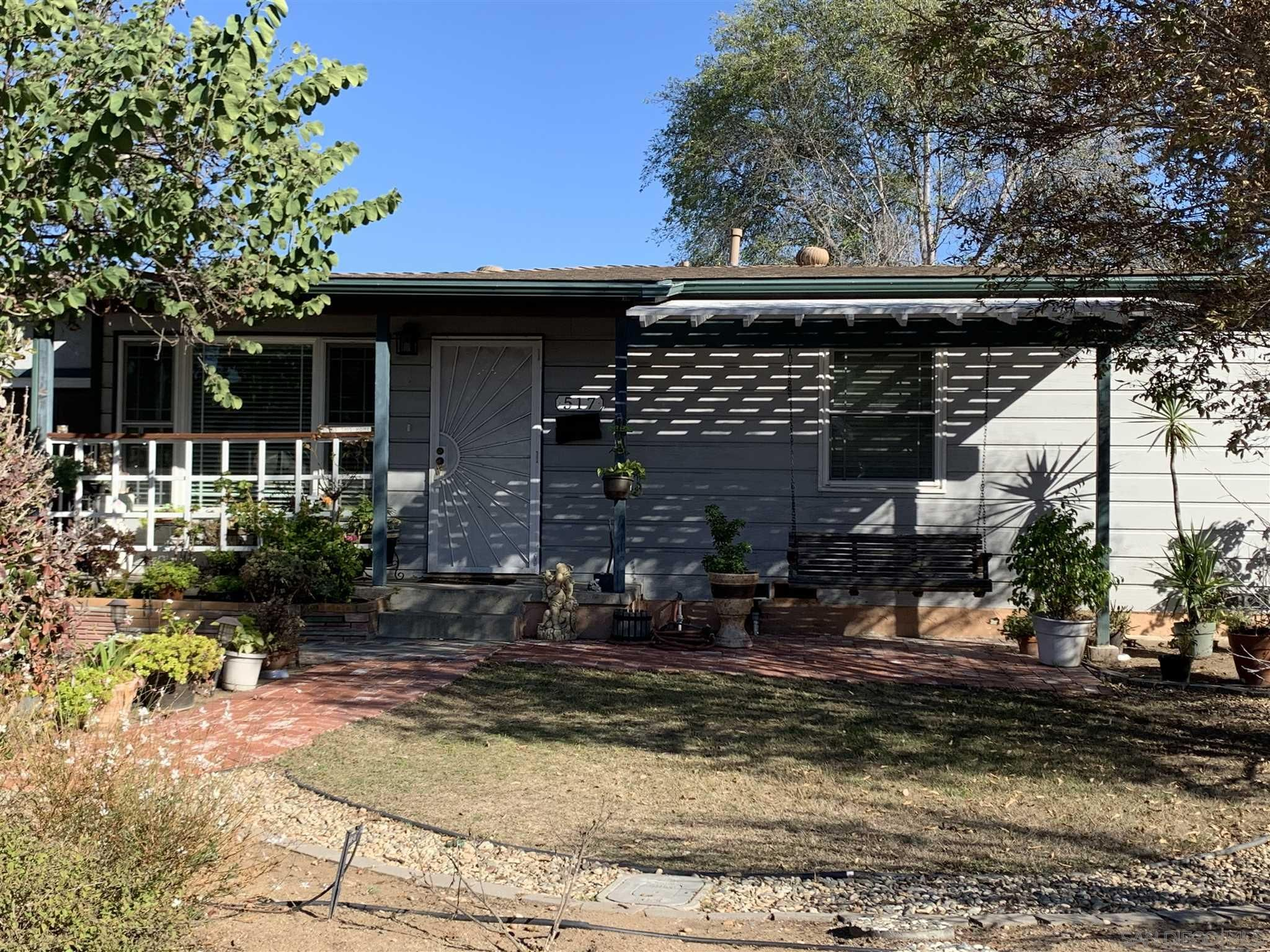 Main Photo: EL CAJON House for sale : 3 bedrooms : 517 Hosmer