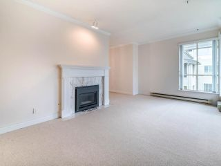"""Photo 11: 305 3766 W 7TH Avenue in Vancouver: Point Grey Condo for sale in """"THE CUMBERLAND"""" (Vancouver West)  : MLS®# R2583728"""