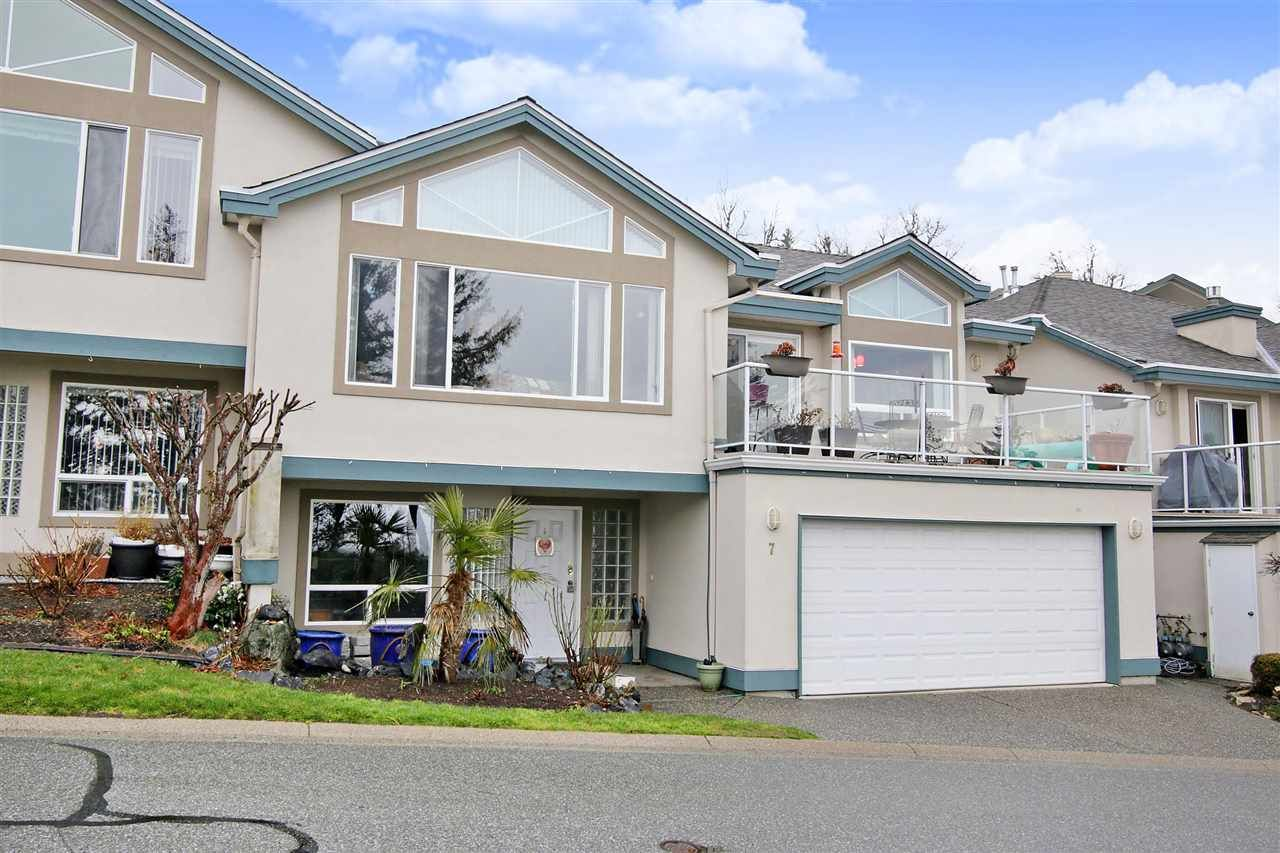"""Main Photo: 7 8590 SUNRISE Drive in Chilliwack: Chilliwack Mountain Townhouse for sale in """"MAPLE HILLS"""" : MLS®# R2441091"""