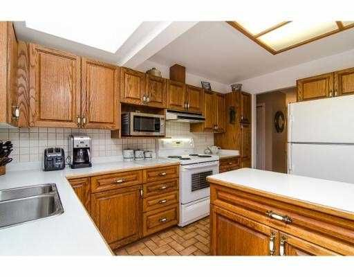 Photo 4: Photos: 5045 WOODSWORTH ST in : Greentree Village House for sale : MLS®# V993664