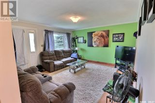 Photo 3: 655 4th ST E in Prince Albert: House for sale : MLS®# SK872073