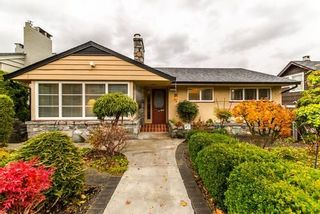 Photo 1: 921 SURREY Street in New Westminster: The Heights NW House for sale : MLS®# R2222277