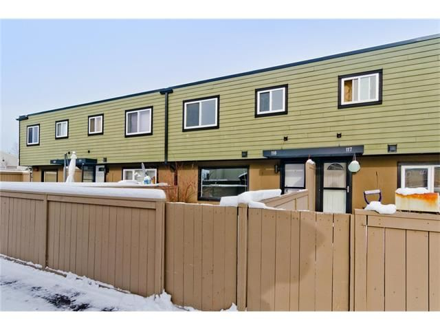 Photo 2: Photos: 118 3809 45 Street SW in Calgary: Glenbrook House for sale : MLS®# C4096404