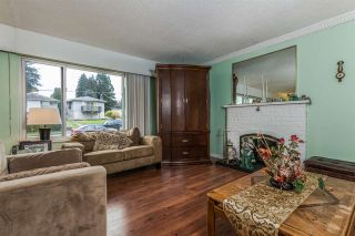 "Photo 3: 8229 18TH Avenue in Burnaby: East Burnaby House for sale in ""EAST BURNABY"" (Burnaby East)  : MLS®# R2045815"