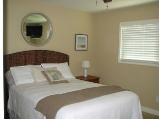 Photo 13: CLAIREMONT House for sale : 3 bedrooms : 3681 MT EVEREST BLVD in San Diego