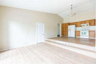 Photo 13: 331 Edgehill Drive NW in Calgary: Edgemont Detached for sale : MLS®# A1140206