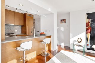 "Photo 8: 802 565 SMITHE Street in Vancouver: Downtown VW Condo for sale in ""VITA"" (Vancouver West)  : MLS®# R2539615"