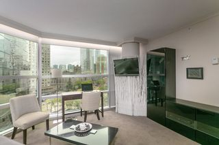 """Photo 3: 804 1050 BURRARD Street in Vancouver: Downtown VW Condo for sale in """"WALL CENTRE"""" (Vancouver West)  : MLS®# R2309129"""
