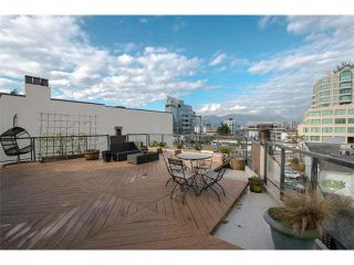 """Photo 4: 6 1375 W 10TH Avenue in Vancouver: Fairview VW Condo for sale in """"HEMLOCK HOUSE"""" (Vancouver West)  : MLS®# V1107342"""
