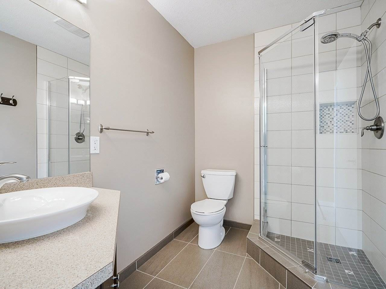 """Photo 21: Photos: 4713 GLENWOOD Avenue in North Vancouver: Canyon Heights NV Townhouse for sale in """"Montroyal Village"""" : MLS®# R2464484"""