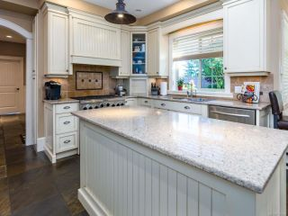 Photo 14: 1303 Ocean View Ave in COMOX: CV Comox (Town of) House for sale (Comox Valley)  : MLS®# 766620