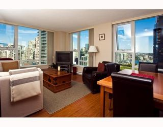 Photo 2: # 2208 550 PACIFIC ST in Vancouver: Condo for sale : MLS®# V782944