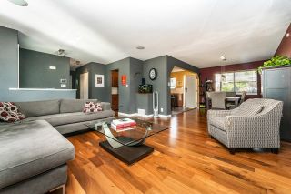 Photo 3: 24991 SMITH Avenue in Maple Ridge: Websters Corners House for sale : MLS®# R2618143