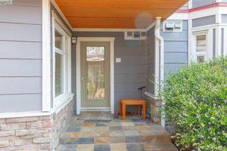 Photo 3: 101 1510 Hillside Ave in VICTORIA: Vi Oaklands Row/Townhouse for sale (Victoria)  : MLS®# 804115