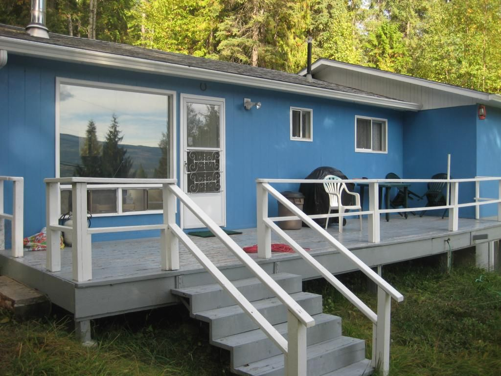Main Photo: 2544 Vickers  Trail in Anglemont: North Shuswap House for sale (Shuswap)  : MLS®# 10036911