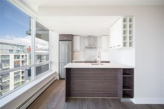 """Photo 12: 1406 1783 MANITOBA Street in Vancouver: False Creek Condo for sale in """"Residences at West"""" (Vancouver West)  : MLS®# R2457734"""