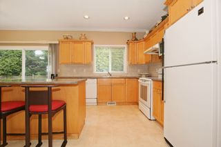 Photo 7: 17869 68 Avenue in Surrey: Cloverdale BC House for sale (Cloverdale)  : MLS®# F1408351
