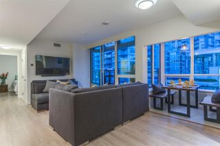 """Photo 4: PH615 161 E 1ST Avenue in Vancouver: Mount Pleasant VE Condo for sale in """"BLOCK 100"""" (Vancouver East)  : MLS®# R2195060"""
