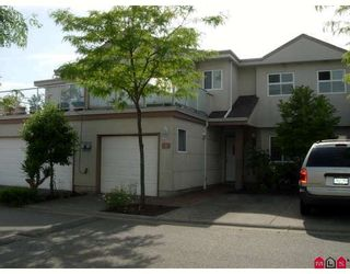 "Photo 2: 9 15875 84TH Avenue in Surrey: Fleetwood Tynehead Townhouse for sale in ""ABBEY ROAD"" : MLS®# F2915997"
