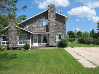 Photo 2: 9 Aspen Drive: Oakbank Single Family Attached for sale (R04)  : MLS®# 1804060