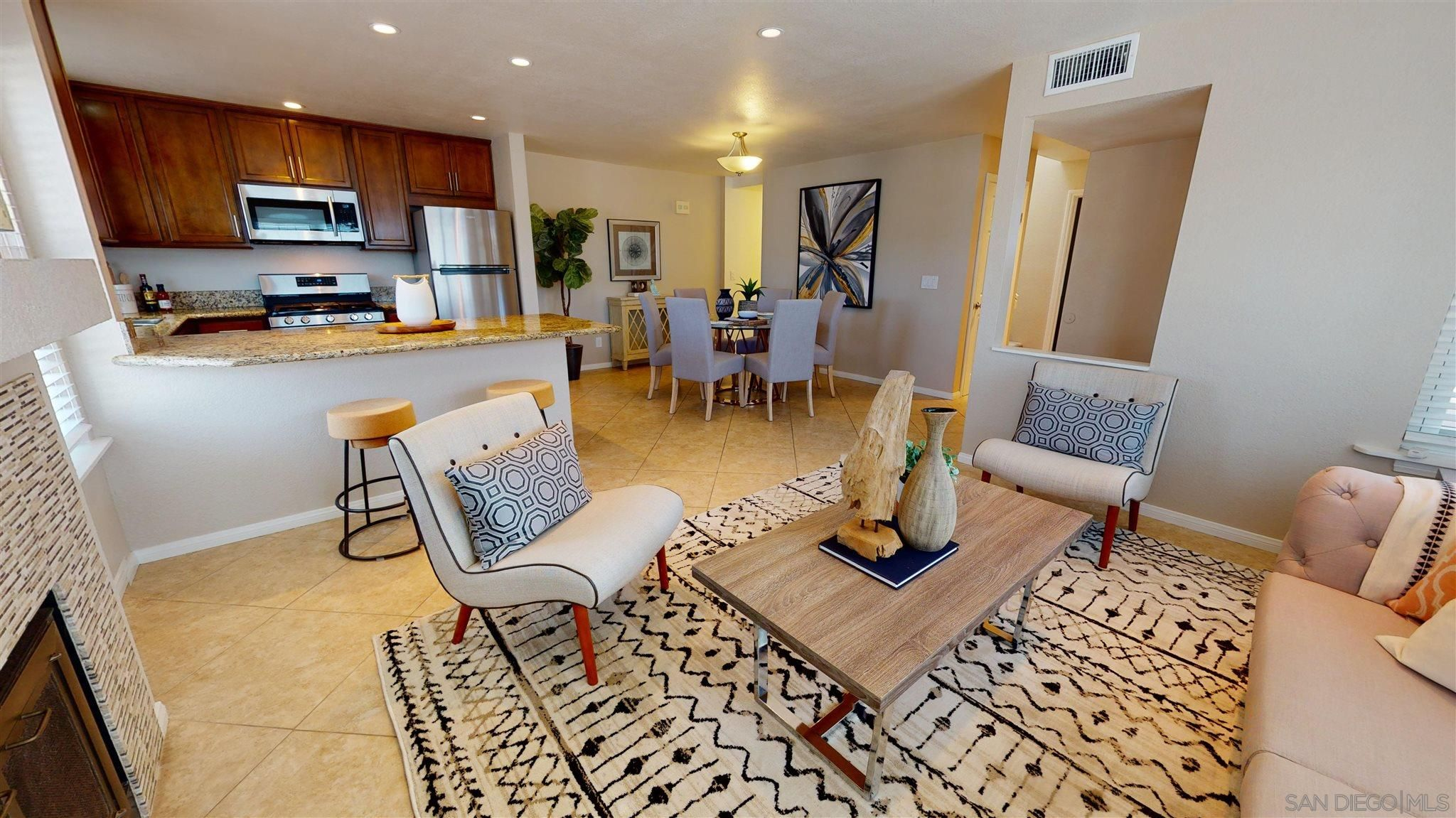 Main Photo: PACIFIC BEACH Townhouse for sale : 3 bedrooms : 816 Isthmus Court in San Diego