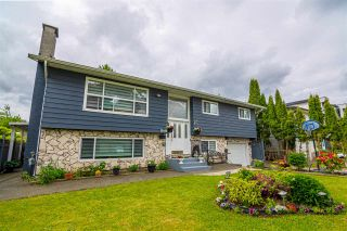 """Photo 4: 13448 87A Avenue in Surrey: Queen Mary Park Surrey House for sale in """"BEAR CREEK"""" : MLS®# R2585096"""