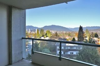 Photo 1: 606 4567 HAZEL Street in Burnaby: Forest Glen BS Condo for sale (Burnaby South)  : MLS®# R2519980