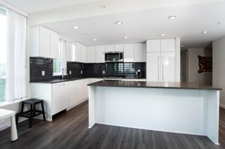 """Photo 8: 1203 3096 WINDSOR Gate in Coquitlam: New Horizons Condo for sale in """"MANTYLA"""" : MLS®# R2603414"""