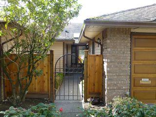 Photo 3: 4 15148 20 Avenue in Surrey: Sunnyside Park Surrey Townhouse for sale (South Surrey White Rock)  : MLS®# R2158269