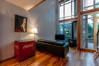 Photo 8: 105 10 RENAISSANCE SQUARE in New Westminster: Quay Condo for sale : MLS®# R2188809