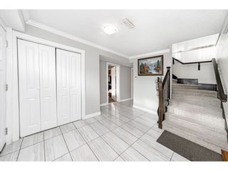 """Photo 4: 18463 56 Avenue in Surrey: Cloverdale BC House for sale in """"CLOVERDALE"""" (Cloverdale)  : MLS®# R2531383"""