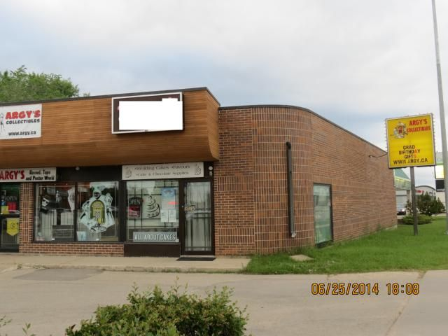 Main Photo: 10 - 1604 St Mary's: COM for sale (2C)  : MLS®# 1415443