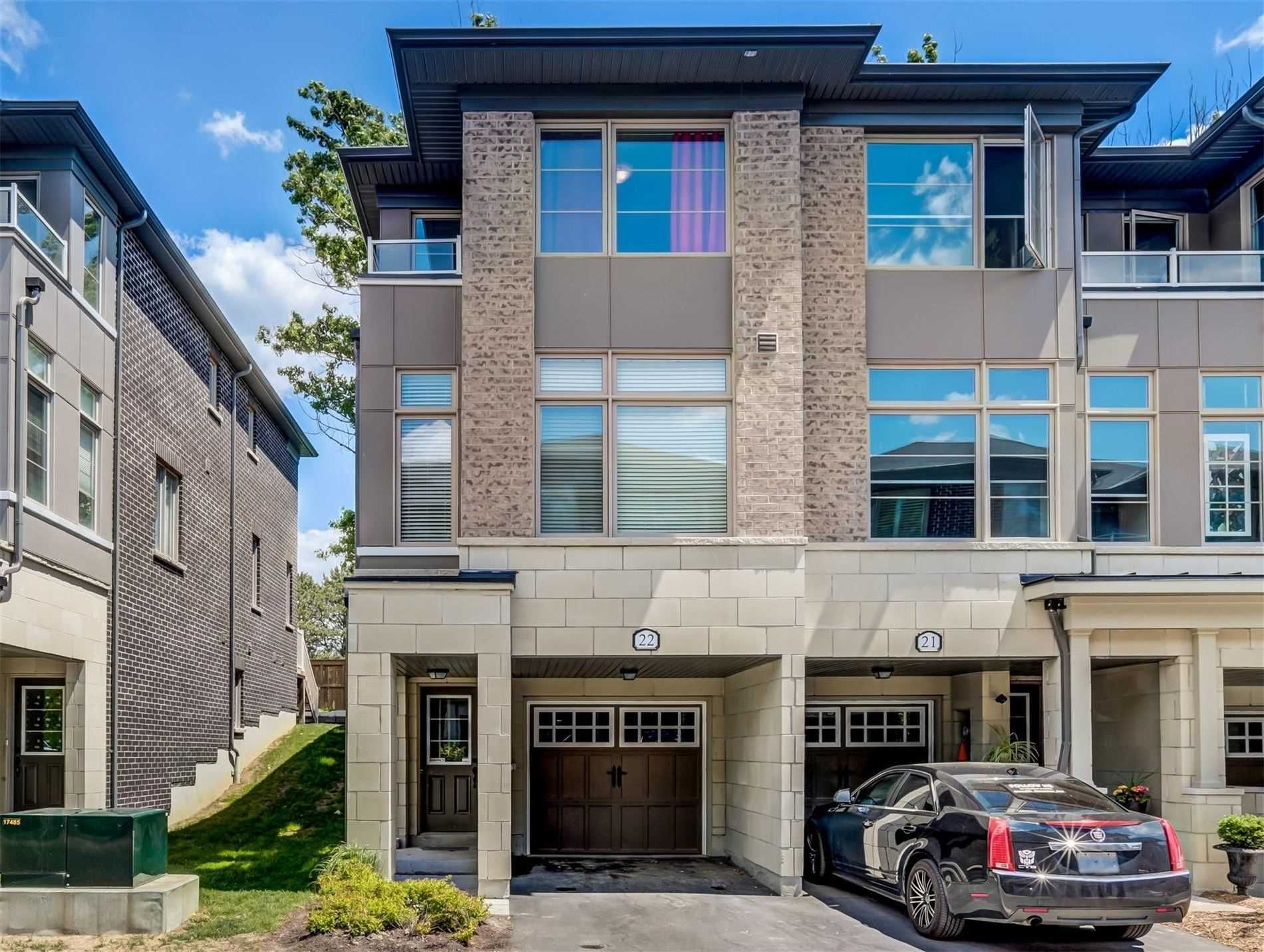 Main Photo: 384 Arctic Red Dr E Unit #22 in Oshawa: Windfields Freehold for sale : MLS®# E5287954
