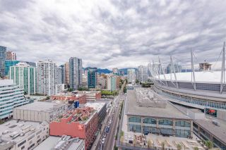 """Photo 1: 2508 928 BEATTY Street in Vancouver: Yaletown Condo for sale in """"The Max"""" (Vancouver West)  : MLS®# R2297790"""