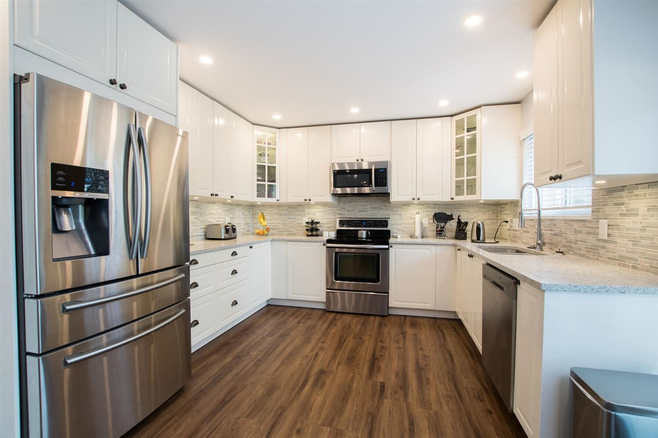 "Main Photo: 5275 4 Avenue in Delta: Pebble Hill House for sale in ""PEBBLE HILL"" (Tsawwassen)  : MLS®# R2557465"