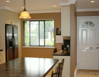 """Photo 4: 38 11751 KING RD in Richmond: Ironwood Townhouse for sale in """"KINGSWOOD DOWNES"""" : MLS®# V605156"""
