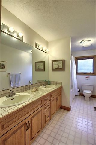 Photo 37: 140 WOODACRES Drive SW in Calgary: Woodbine Detached for sale : MLS®# A1024831