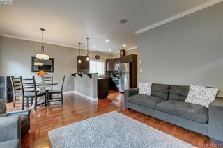 Photo 5: 1218 Parkdale Creek Gdns in VICTORIA: La Westhills House for sale (Langford)  : MLS®# 814828