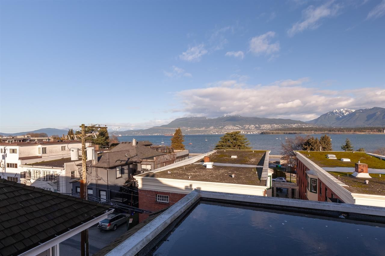 "Photo 5: Photos: 11 1535 VINE Street in Vancouver: Kitsilano Condo for sale in ""Vine Grove"" (Vancouver West)  : MLS®# R2530154"