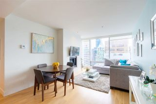 """Photo 4: 2606 1111 ALBERNI Street in Vancouver: West End VW Condo for sale in """"Shangri-La Vancouver"""" (Vancouver West)  : MLS®# R2478466"""