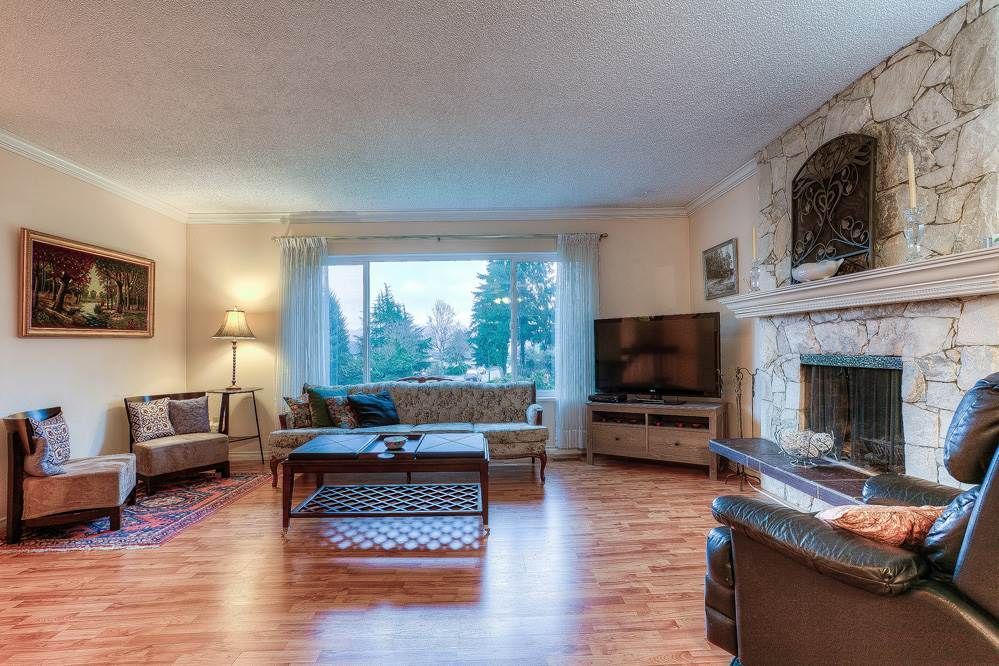 Photo 2: Photos: 3122 MARINER WAY in Coquitlam: Ranch Park House for sale : MLS®# R2037246