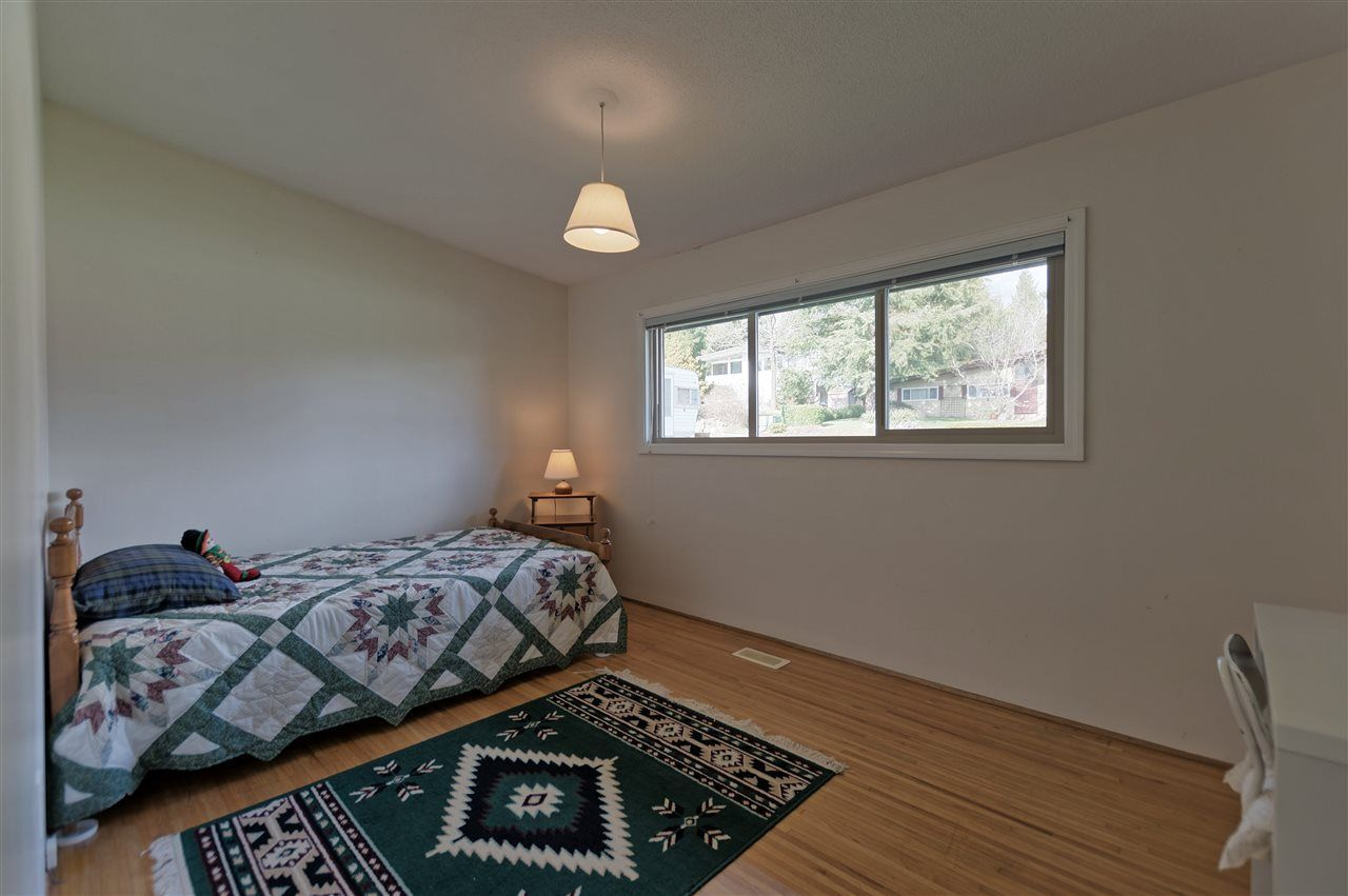 Photo 20: Photos: 2923 EDDYSTONE Crescent in North Vancouver: Windsor Park NV House for sale : MLS®# R2253154