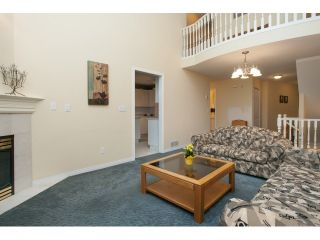 """Photo 4: 54 15959 82ND Avenue in Surrey: Fleetwood Tynehead Townhouse for sale in """"CHERRY TREE LANE"""" : MLS®# R2035228"""