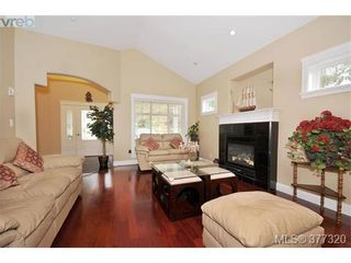 Photo 3: 2162 Bellamy Rd in VICTORIA: La Thetis Heights House for sale (Langford)  : MLS®# 757521