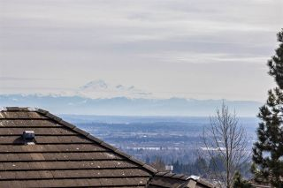 """Photo 3: 36 1751 PADDOCK Drive in Coquitlam: Westwood Plateau Townhouse for sale in """"WORTHING GREEN SOUTH"""" : MLS®# R2550908"""